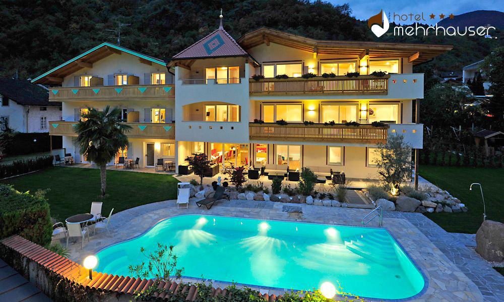 hotel-mehrhauser-urlaub-suedtirol-schwimmbad